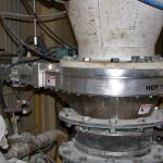 hdp-slide-gate-handling-glass-cullet-010